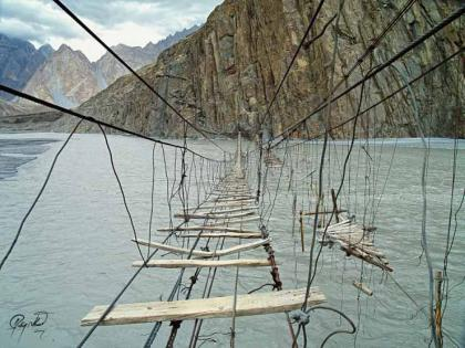 18.-Hussaini-Hanging-Bridge-Pakistan..jpg