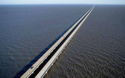15.-Lake-Pontchartrain-Causeway-Louisiana..jpg